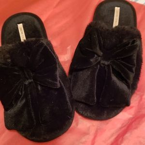 Victoria's Secret black Slippers